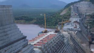 صورة لاستمرار أعمال البناء في سد النهضة الإثيوبي