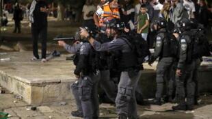 2021-05-07T193116Z_1345122192_RC27BN99UUM4_RTRMADP_3_ISRAEL-PALESTINIANS-JERUSALEM-SHEIKH-JARRAH