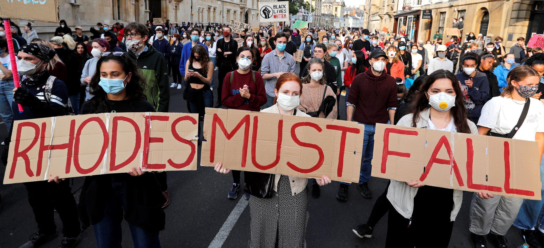 مظاهرات لاسقاط تمثال سيسيل رودس