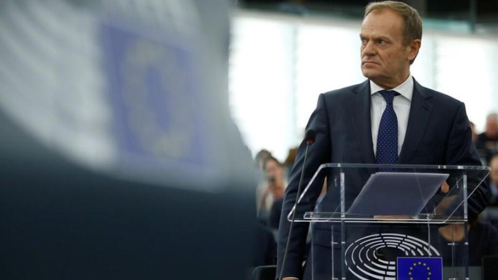 رئيس المجلس الأوروبي دونالد توسك يلقي كلمة في البرلمان الأوروبي