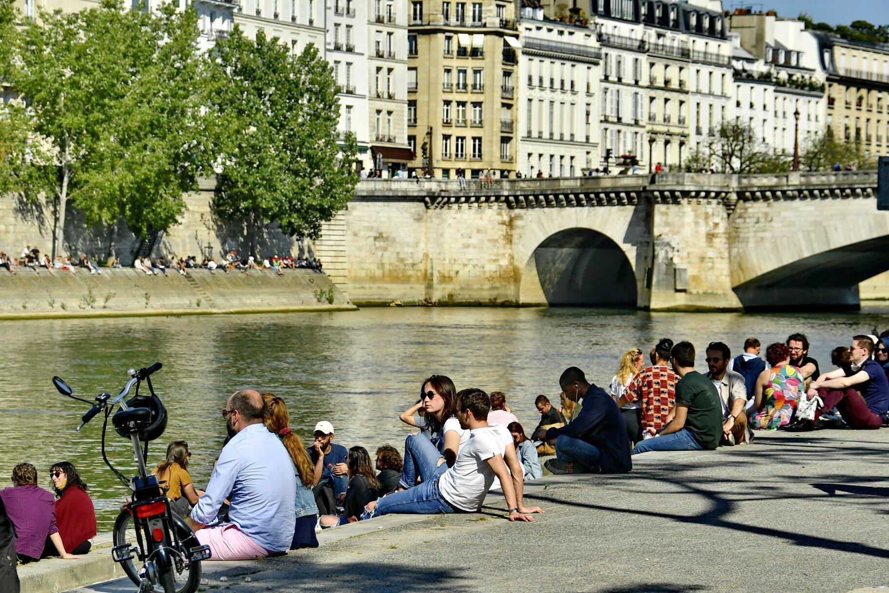 تخفيف إجراءات الحجر في فرنسا