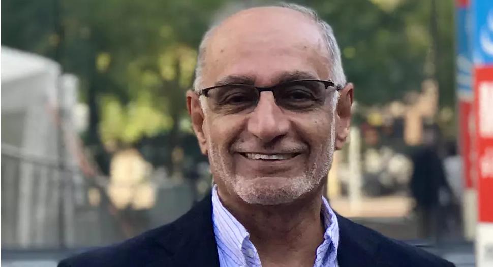 الأكاديمي الإماراتي عبد الخالق عبدالله