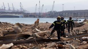عملية البحث عن مفقودين في مرفأ بيروت بعد الانفجار