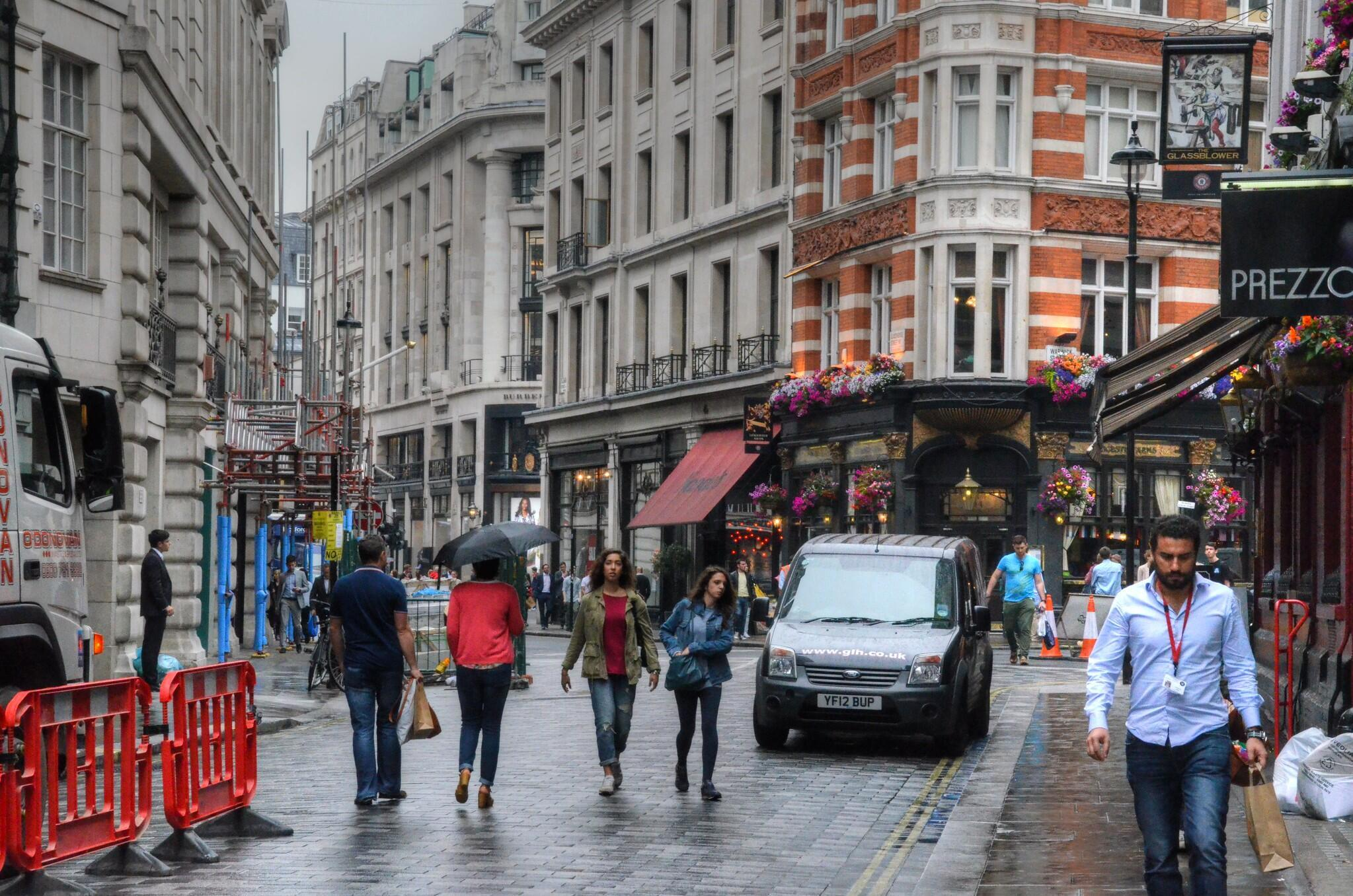 في أحد شوارع لندن