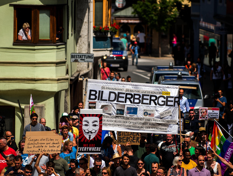 مظاهرات ضد منتدى بيلدربيرغ لدى انعقاده في النمسا 2015