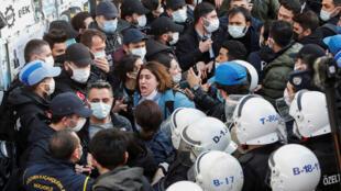 الشرطة التركية خلال تظاهرات اسطنبول