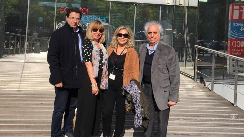 الشاعر هنري زغيب (يمين) والإعلامية كابي لطيف (وسط) والكاتبة مي ريحاني والكاتب ألكسندر نجار