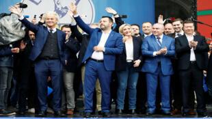 تجمع للأحزاب القومية واليمين الأوروبي قبل الانتخابات البرلمانية للاتحاد الأوروبي في ميلانو