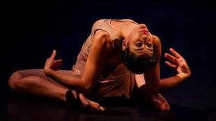 piece_theatre_inhidwana_palestine