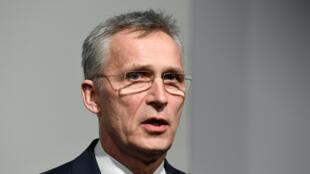 الأمين العام لحلف شمال الأطلسي ينس ستولتنبرغ قي هامبورغ بألمانيا يوم 1 أبريل ـ نيسان 2020