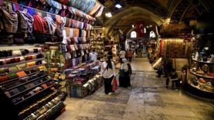 سوق تجاري في اسطنبول - تركيا