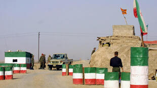 الشرطة الإيرانية قرب مدينة المحمرة بمحافظة خوزستان