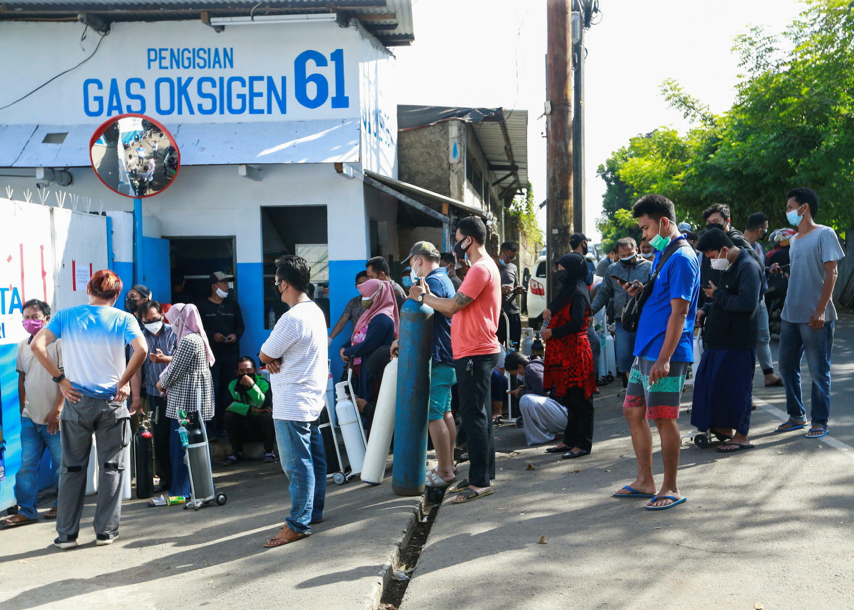HEALTH-CORONAVIRUS-INDONESIA-OXYGEN (1)