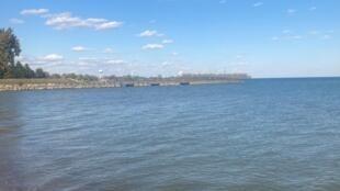 Luna_Pier_beach