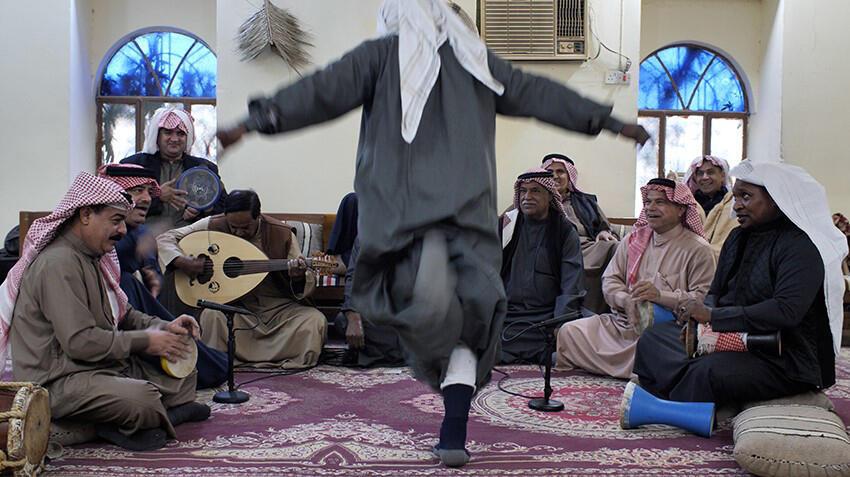 فادي يني ترك. سهرات الخشّابة، البصرة ، العراق، 2019 إنتاج مشترك مؤسسة أمار والموسم، 2020