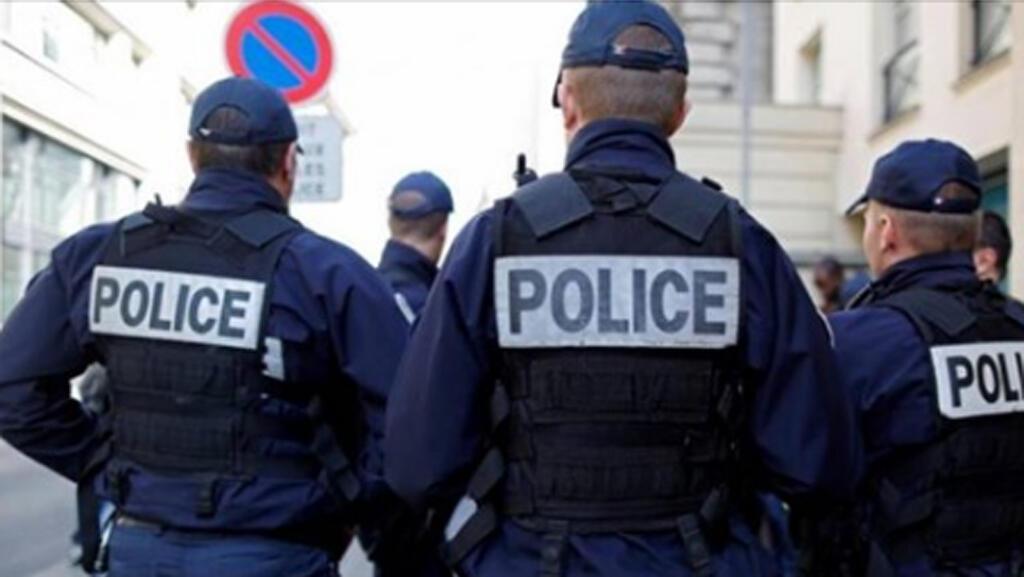 رجال الشرطة الفرنسية-
