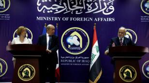 وزير الخارجية العراقي إبراهيم الجعفري مع وزير الخارجية الفرنسي جان إيف لي دريان ووزيرة الجيوش الفرنسية فلورنس بارلي في بغداد