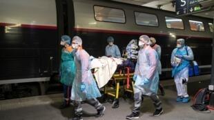 نقل المرضى بكورومنا عبر القطارات في فرنسا