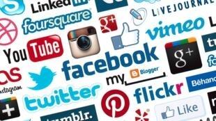 Etiquette les réseaux sociaux
