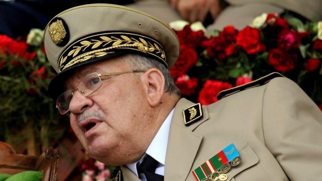 قائد الجيش الجزائري احمد قايد صالح
