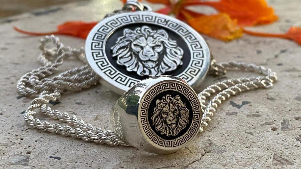 مجوهرات سلطانة للمصممة سالي مبارك