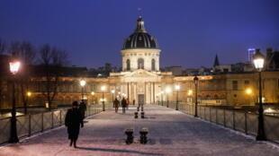 باريس خلال جائحة كورونا