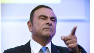 رئيس شركة رينو الفرنسية للسيارات كارلوس غصن