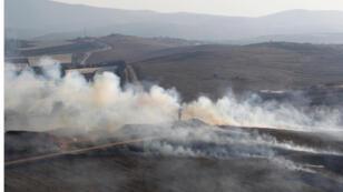 fumée_-monte_-d'obus-tirés_Israël-dans-le-village_-Maroun_-Al-Ras_liban_reuters