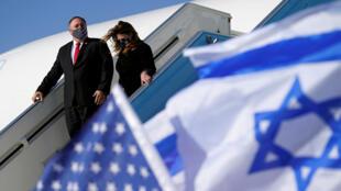 بومبيو يصل إلى مطار تل أبيب في إسرائيل