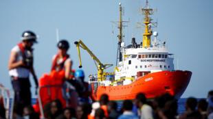السفينة أكواريوس التي تقل 629 مهاجرا