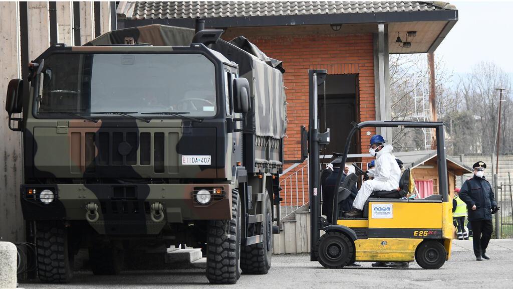 camions_militaires_cercueils_italy