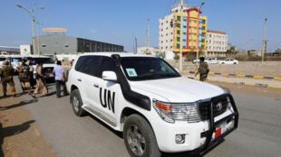 سيارة تابعة للأمم المتحدة في مدينة الحديدة اليمنية