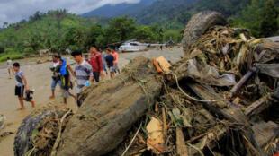 اندونيسيا/ اقليم بابوا بعد الانهيارات و سيول الأمطار