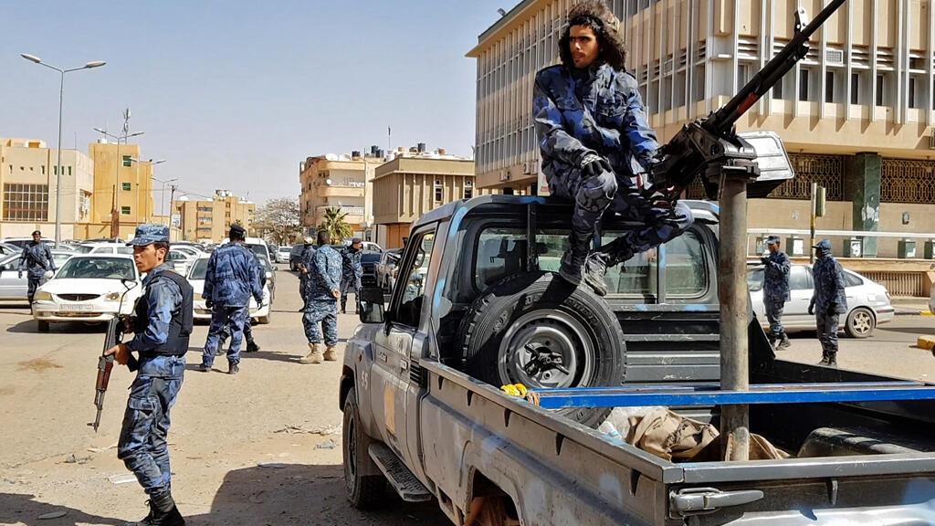 القوات الموالية لخليفة حفتر في وسط مدينة سبها أكبر مدينة في جنوب ليبيا