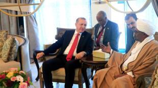 الرئيسان التركي والسوداني