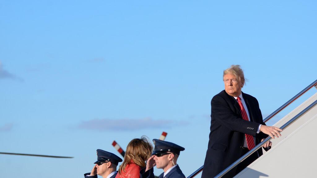 ترامب في مطار واشنطن قبل رحلة إلى فلوريدا