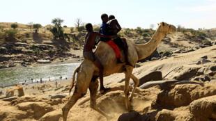نازحون إثيوبيون قرب الحدود مع السودان