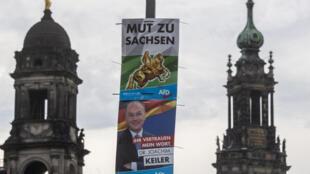 ملصقات الحملة الانتخابية للحزب الألماني اليميني المتطرف في دريسدن ، قبل الانتخابات الإقليمية يوم الأحد 1 سبتمبر 2019.