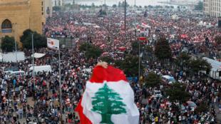 تواصل الاحتجاجات في بيروت ضد الطبقة السياسية يوم 21 أكتوبر 2019