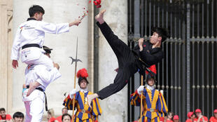 عرض التايكواندو القصير الذي حضره البابا فرنسيس