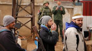 خروج مسلحي حي الوعر وعائلاتهم في مدينة حمص