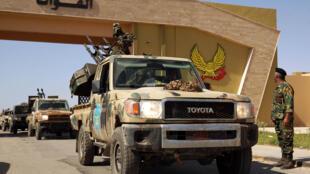 قوات موالية للجيش الوطني الليبي في طريقها الى مدينة سرت يوم 18 يونيو حزيران 2020