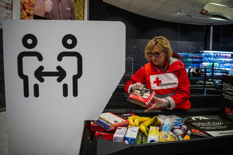 suede_stockholm_red_cross_buy_elderly_people_coronavirus_spread