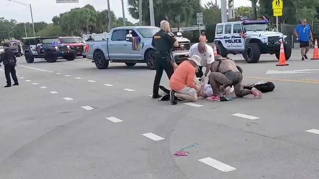 حادثة صدم خلال مسيرة لمثليي الجنس في فلوريدا