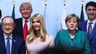 إيفانكا ترامب بين قادة قمة العشرين في برلين