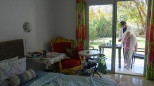 الحجر الصحي في فندق بمنطقة قمرت في تونس