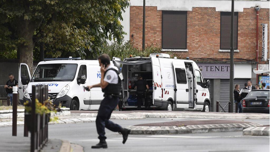 الشرطة الفرنسية تطوق المكان الذي عثر فيه على قوارير غاز في فيلجويف، باريس 06-09-2017