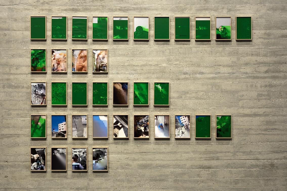 لقطة من معرض سابق لتيسير البطنيجي في باريس