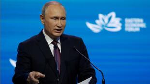 فلاديمير بوتين في المنتدى الاقتصادي، فلاديفوستوك، روسيا 07-09-2017