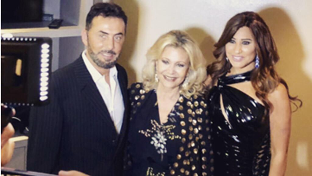 النجمة اللبنانية نجوى كرم والمنتج عادل معتوق رفقة الإعلامية كابي لطيف، باريس